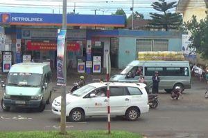 Đắk Lắk: 'Bến cóc' hoạt động ngang nhiên trước cổng bến xe
