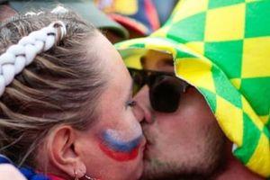 World Cup ở Nga: 'Hãy cứ quan hệ với đàn ông ngoại quốc và sinh em bé'