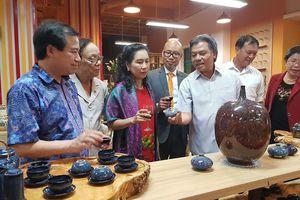 Chiêm ngưỡng những món đồ tinh sảo của nghệ nhân Việt