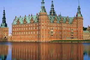 Các cầu thủ Đan Mạch có quê hương đẹp bình yên và rực rỡ sắc màu thế này đây