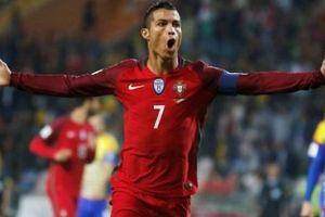 Cựu danh thủ Liverpool nhận đủ 'gạch đá' vì dự đoán trước pha đá phạt của Ronaldo