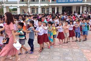 Hà Nội: Con chưa vào lớp 1, cha mẹ đã 'toát mồ hôi' vì lo học luân phiên