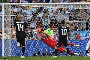 Chấm điểm Argentina 1-1 Iceland: Messi chịu thua 'găng tay băng'