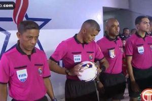 Từ người quét rác ở Panama trở thành trọng tài World Cup 2018