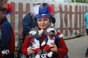 Thư World Cup 2018: Linh vật 'sói Zabivaka' cũng có hàng… fake