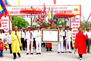 Đón nhận bằng công nhận di sản văn hóa Lễ hội Đền Chiêu Trưng