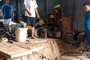 Cà Mau: Sạt lở nghiêm trọng, nhiều nhà ven sông sắp bị 'ngoạm' mất