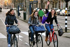 Hà Lan khuyến khích người dân đi làm bằng xe đạp