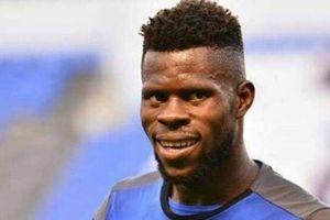 Bất ngờ với thủ môn 'già trước tuổi' của Nigeria