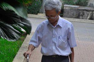 Nguyễn Khắc Thủy đến trại giam, tự nguyện thi hành án tù