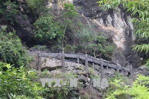 Ninh Bình: Chủ đầu tư gặp khó trong tháo dỡ công trình trái phép trên núi Cái Hạ