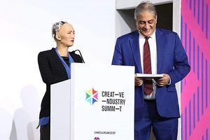 Robot Sophia công khai chúc Ai Cập may mắn ở World Cup 2018