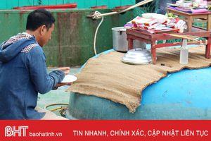 Ngư dân Hà Tĩnh với tục cúng xuất bến cầu 'lộc biển'