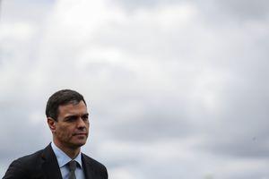 Không tới phòng gym, thủ tướng Tây Ban Nha giữ dáng kiểu gì?