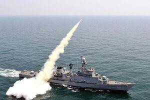 Nổ tàu hộ vệ đang tập trận,1 sĩ quan Hàn Quốc thiệt mạng