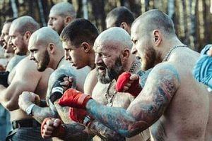 Tập võ để chiến đấu với bất cứ nhóm hooligan nào tại World Cup