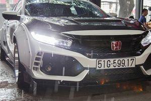 Ngắm Honda Civic độ phong cách Type R và dàn âm thanh khủng tại TP. HCM