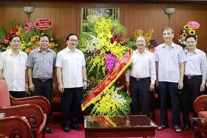 Lãnh đạo TP Hà Nội chúc mừng Ban Tuyên giáo Trung ương và các cơ quan báo chí