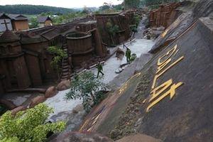 Bé gái bị cây gãy đè tử vong trong Đường hầm Điêu khắc
