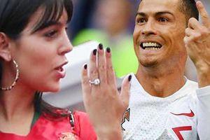 Ronaldo ghi bàn, người tình siêu mẫu khoe ngay nhẫn đính hôn 18 tỷ