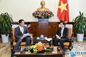 Thứ trưởng Lê Hoài Trung đề xuất ba nhiệm vụ với tân Đại sứ Hàn Quốc