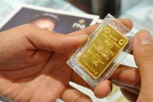 Giá vàng SJC 'bất động' bất chấp vàng thế giới liên tục lập đáy mới