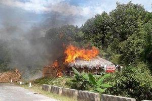 Nghệ An: Cãi nhau với vợ, chồng châm lửa đốt nhà để 'dằn mặt'