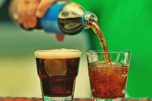 Uống nước ngọt không giúp bạn giải khát