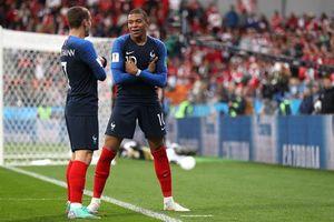 Thắng nghẹt thở Peru, Pháp giành vé vào vòng 1/8