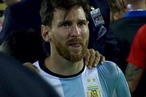Messi khóc rất nhiều vì Argentina