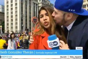 Nữ phóng viên World Cup bị gã quấy rối sờ ngực khi lên hình trực tiếp
