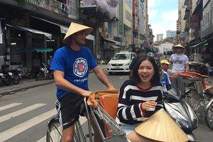 Danilo Gallinari - 1 ngày khám phá cả Sài Gòn cùng Suni Hạ Linh