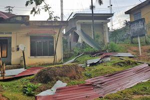 Hơn 100 nhà dân xã Ba Nam bị tốc mái