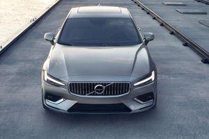 Volvo S60 2019 trình làng, giá từ 35.800 USD