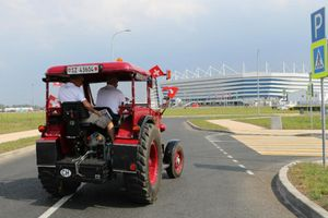 CĐV Thụy Sĩ vượt 2.000 km bằng... đầu máy xe tải để xem World Cup