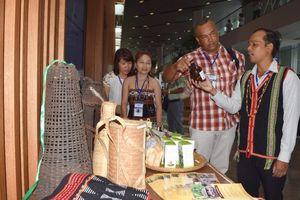 Bảo tồn văn hóa đồng bào Cơ Tu gắn với phát triển du lịch sinh thái cộng đồng