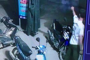 Xôn xao trưởng công an xã nổ súng bắn ở quán bi-a trong đêm