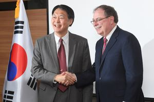 Mỹ và Hàn Quốc đàm phán về chia sẻ chi phí quốc phòng