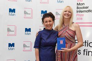 Nữ nhà văn Ba Lan đầu tiên đoạt giải Man Booker