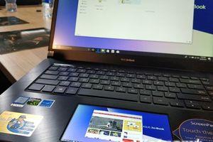 Cận cảnh laptop ZenBook Pro, giá cao 'ngất ngưởng' của ASUS