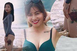 MC Hoàng Linh khoe body gợi cảm với hình xăm bông hồng 'khủng' ở đùi