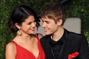 Quá áp lực vì cuộc sống Hollywood, Selena Gomez 'theo chân' Taylor Swift làm điều khó ai ngờ đến!