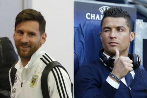 Messi gặp Ronaldo 'nháy mắt' tinh quái khi chuẩn bị đấu Pháp