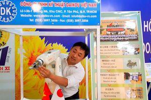 CNVC-LĐ TP HCM hào hứng với triển lãm 'Tự hào công nhân thành phố anh hùng'