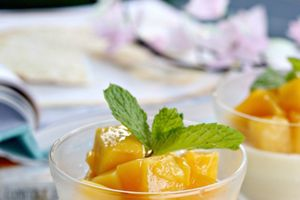 Công thức làm panna cotta xoài cực thơm mát ngày hè