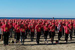 3.000 người hát Quốc ca, tạo hình lá cờ Tổ quốc trên biển