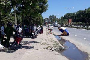 Tin tức tai nạn giao thông nóng nhất 24h: Xe tải chở gạch tuột dốc, người đi đường kinh hoàng