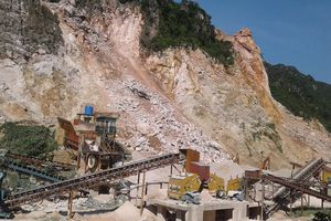 Mỏ đá Long Đạt-Hòa Bình: Vi phạm nghiêm trọng khoảng cách an toàn vẫn được khai thác