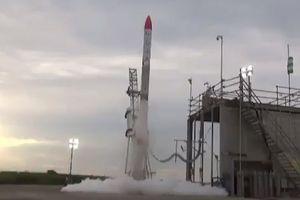 Nhật Bản: Tên lửa rơi xuống mặt đất chỉ vài giây sau khi xuất phát