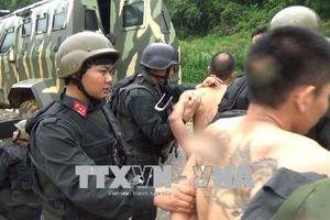 'Nóng' cuộc vây bắt trùm ma túy ở Lóng Luông, xe bồn chở gas bị hất văng khi đâm tàu hỏa